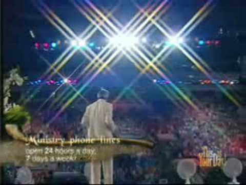 Benny Hinn sings in Russia (Olympic Stadium)