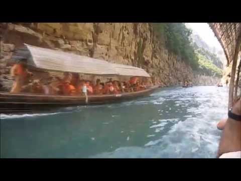 Mini Three Gorges Boat Trip on Yangtze River Cruise
