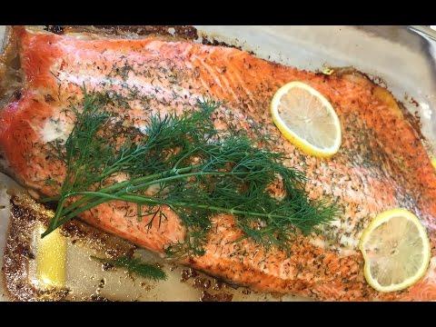 Как запечь лосося в духовке - видео