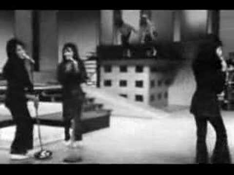 The Ronettes - The Time Of My Life