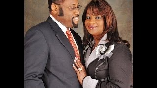 Myles Munroe Dead Plane Crash Bahamas Dr Myles Munroe And His Wife Dies In Plane Crash