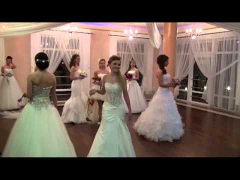 Pokaz   Suknie Ślubne   Afrodyta