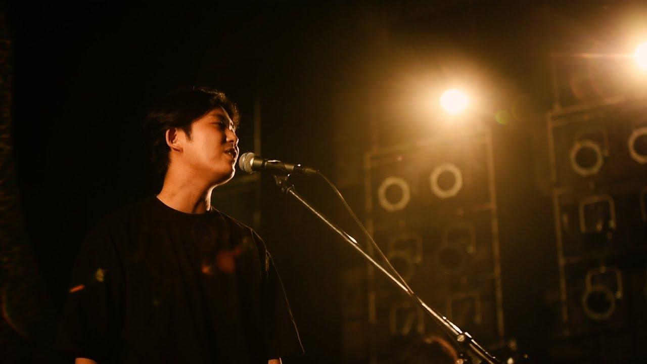 """折坂悠太 - 「SHIBUYA全感覚祭」から""""逢引""""のライブ映像を公開 thm Music info Clip"""