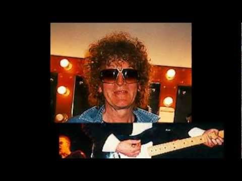 Ian Hunter - Skeletons (In Your Closet)