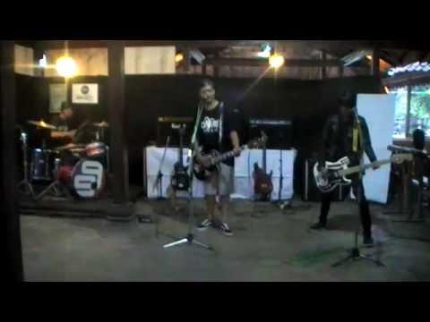MADROSE live performance @VINTAGE cafe
