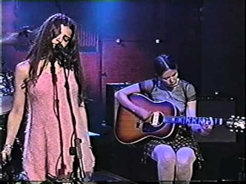 Mazzy Star - Fade Into You (Conan Live)
