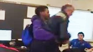 Student Fights Teacher For Confiscated Cell Phone [VIDEO]