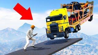 CAN YOU DODGE THE MASSIVE TRUCKS? (GTA 5 Minigames)
