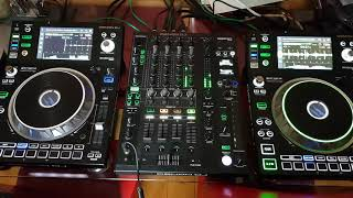 Trying to mix 2 tunes together,on my new denon sc5000 and x1800 mixer