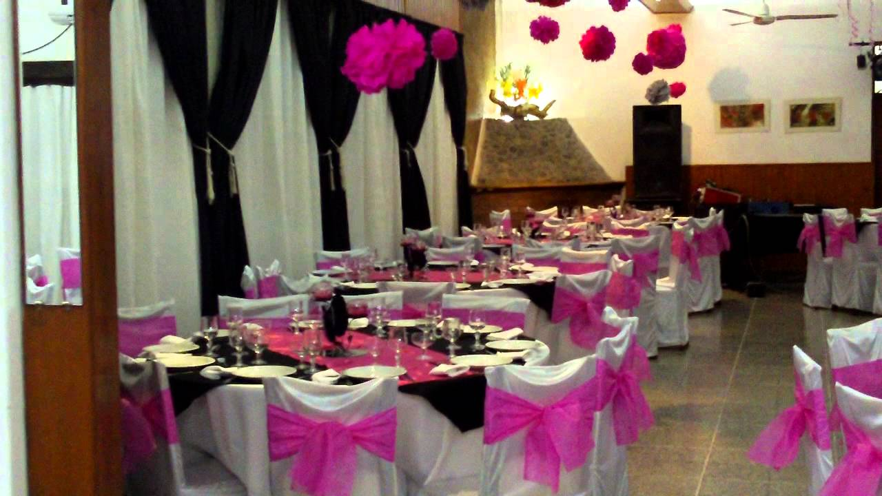 Colonia costanera cosquin salon decorado en fucsia y for Arreglos de salon para quince anos