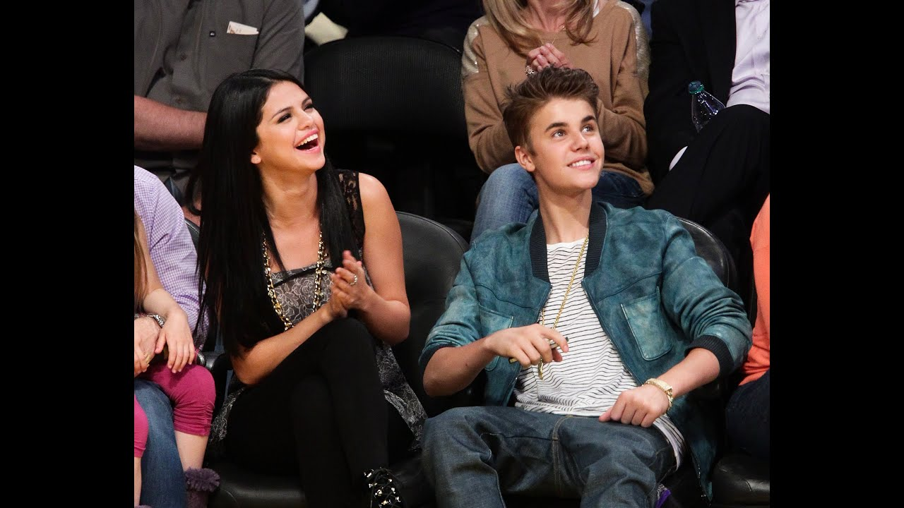 Justin Bieber & Selena Gomez Caught On Kiss Cam - YouTube