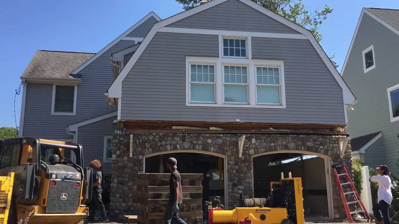 House lift 9/14/16 in Rowayton, CT (Wolfe House & Building Movers)
