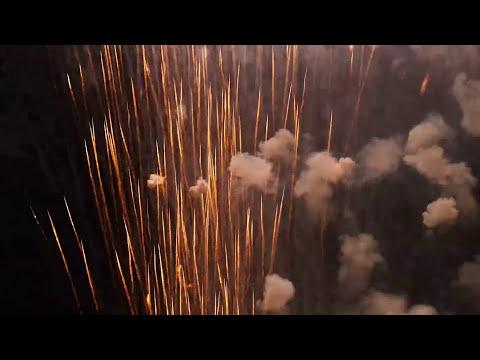 Quema de cohetes, traca mediana en Dalias, los últimos segundos generan onda de choque.
