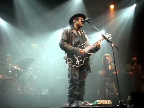 D&#39;Angelo   Feel Like Making Love   Ain&#39;t That Easy live @ Le Znith, Paris 29 01 2012