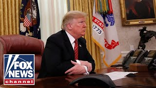 Trump ends 2018 with blizzard of border wall tweets