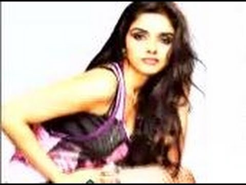 Asin's Hot Curves video