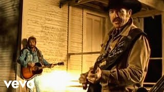 Watch Brooks & Dunn Red Dirt Road video