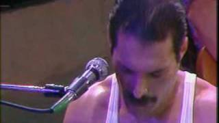 Клип Queen - We Will Rock You (live)