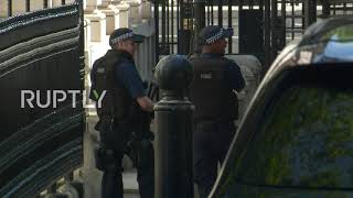 UK: Police block roads outside Number 10 over 'suspicious package'