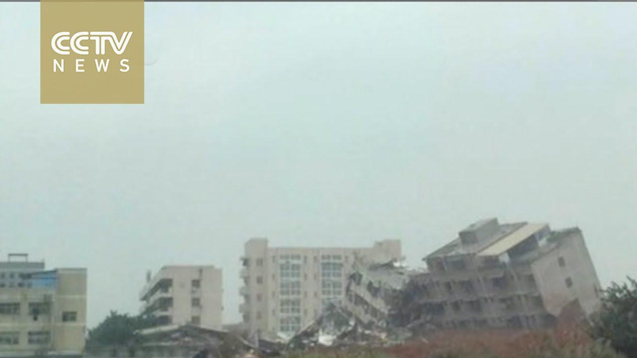 Házakat temetett maga alá a sárlavina - videó