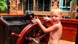 Fun videos for children - kids playing in the water park - Pirate ship kids's videos