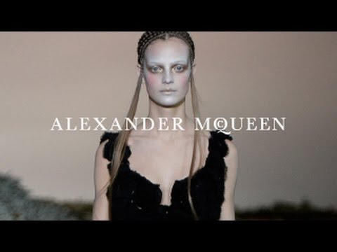 Alexander McQueen | Autumn/Winter 2014 | Runway Show