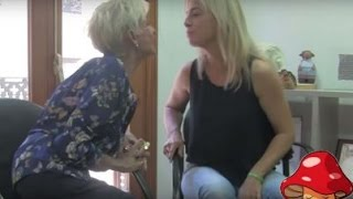 La exalcaldesa de Alicante Sonia Castedo reaparece con el videoclip 'Paco, no me toques la seta'