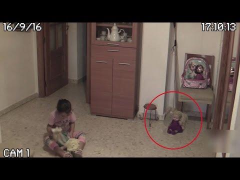 Жуткая запись!!! В Сети появилось видео с куклой, «ожившей» рядом с девочкой