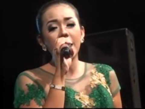 download lagu Terrluka Devi Aldiva New Pallapa Live Mojo Tengah Kedamean gratis