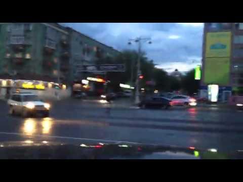 Лось в центре Перми на Октябрьской площади в ночь на 3 июня 2013-го