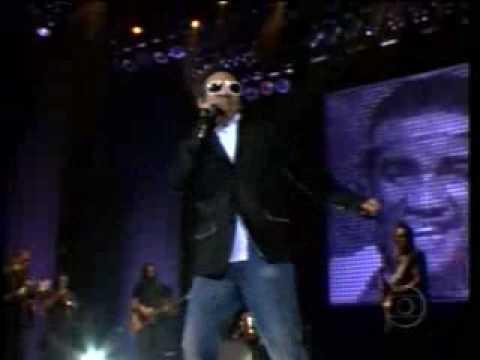 "Wilson Simoninha canta ""Tributo A Martin Luther King"" no Baile do Simonal – Globo – 12/12/09"
