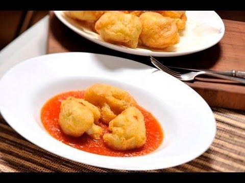 Coliflor capeada con salsa de jitomate - Cauliflower with Tomato Sauce