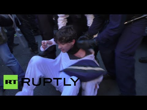 Scuffles break out at London climate change protest