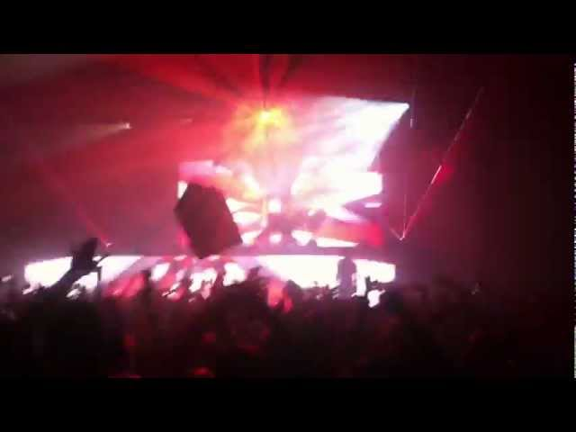 Afrojack (Tujamo & Plastik Funk - Who) @ Congress Theater Chicago 11/17/2012