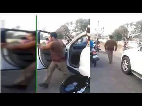 Salman Khan gets ANGRY with fans CHASING his CAR ! MUST WATCH