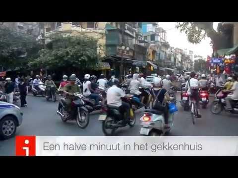 Verkeer in Hanoi Vietnam. Chaos en Zen
