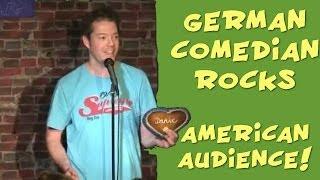 German Comedian rocks American audience