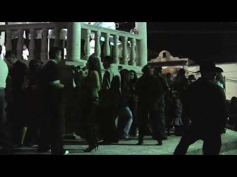 churintzio dando la vuelta por la plaza dic. 2009