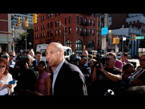 Booker defends Sanders keeping Secret Service