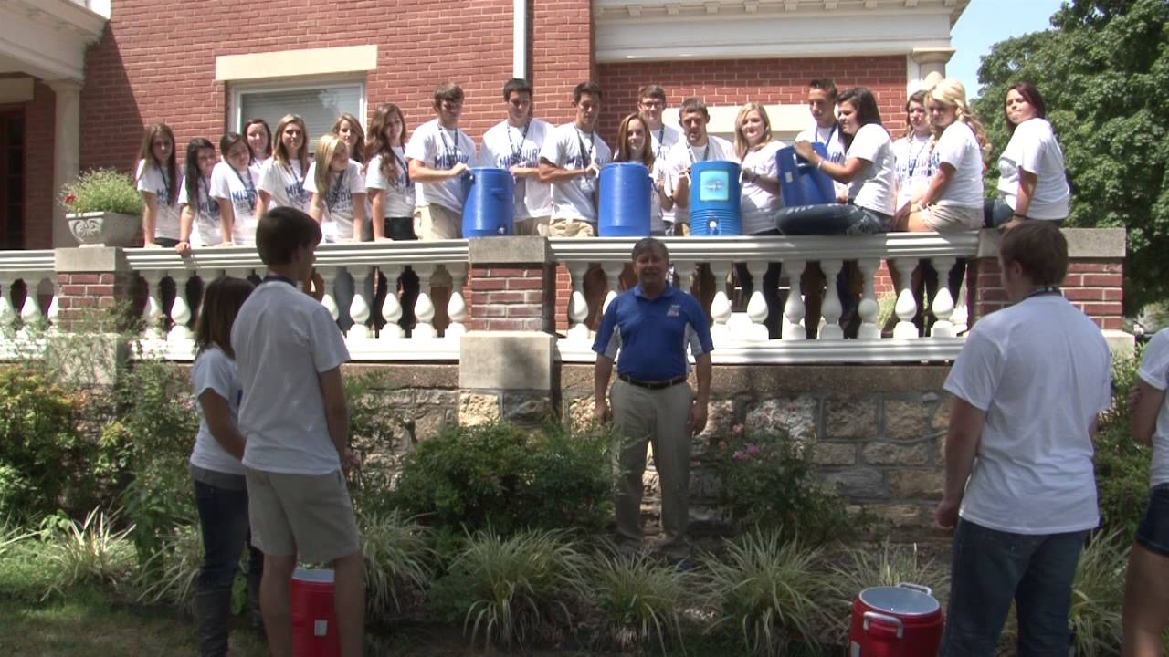 Dr. Drew Bennett, Chancellor of MSU-WP, Takes the Ice Bucket Challenge for ALS