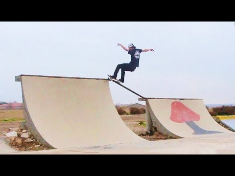 Kernside W/ Ratface, Steven Ban, Trevor McCune n' Myself - Skateboarding Bakersfield