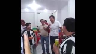 Mário Caixa narra gol do Galo em bar