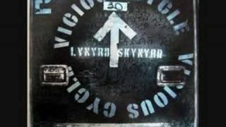 Watch Lynyrd Skynyrd Crawl video