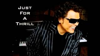 Watch Ronnie Milsap Teach Me Tonight video