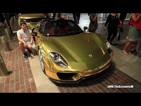 Gold car combo a crowded The Dubai Mall! - 918, G63 AMG 6x6, Aventador and Range Rover!