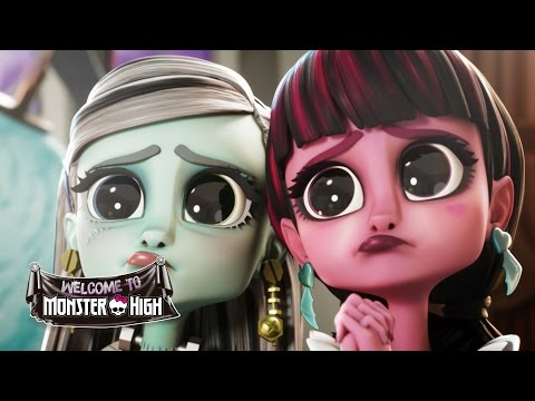 Frankie Charms Dracula | Welcome to Monster High | Monster High
