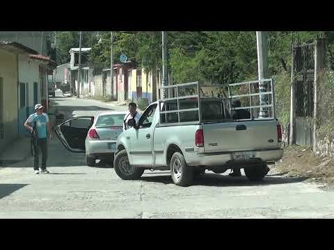 Agentes federales despojan de su auto a civil, par