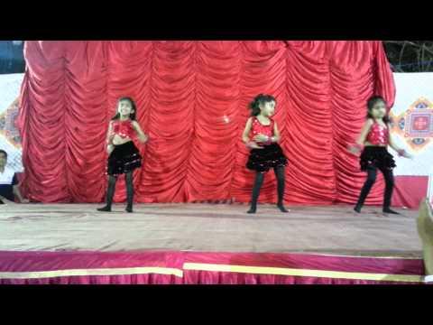 Milonee Lungi Dance and Blue Hai Paani Paani