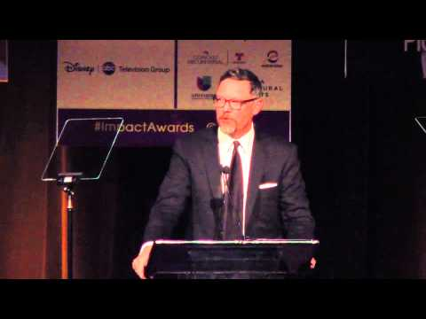 Matthew Lillard presents award to Emily Rios at the 2014 NHMC #ImpactAwards