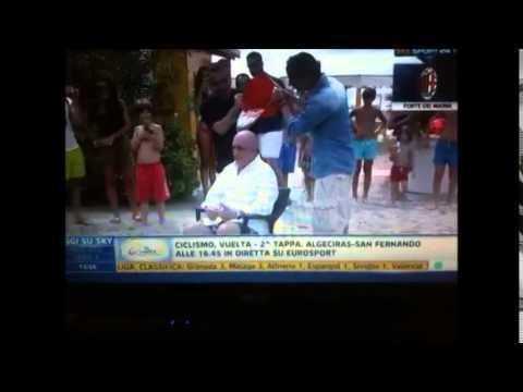 Ice Bucket Challenge Adriano Galliani Diretta @ SS24 [RASPAGELLE]